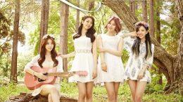 LoveUs 1st Single Cover